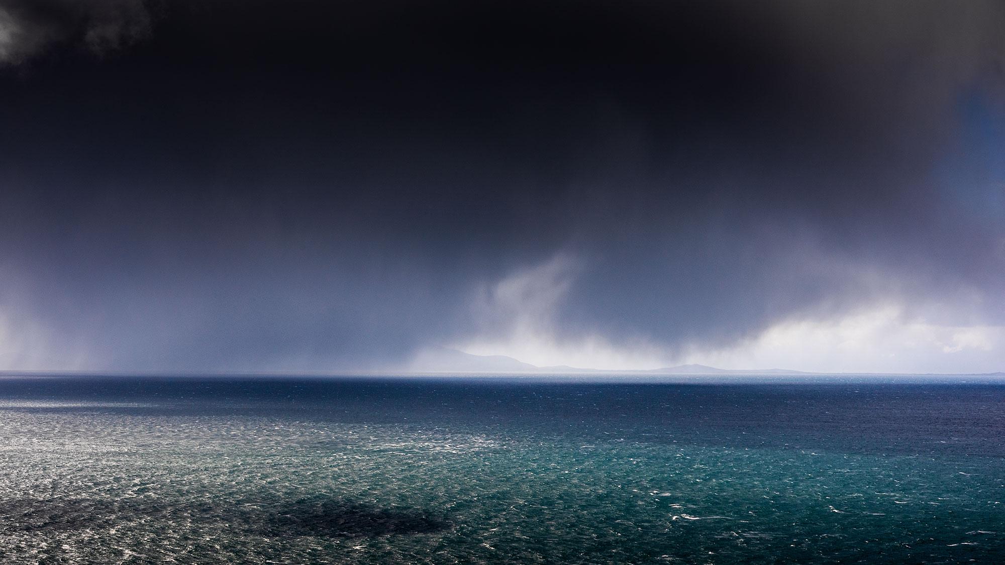 Dramatic seascape photography taken at Neist Point on Skye Island by the photographer Jennifer Esseiva.
