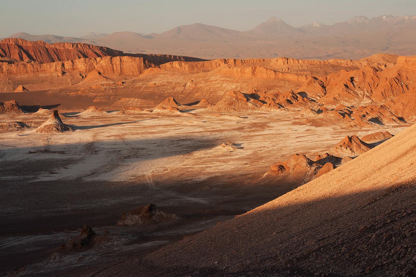 Coucher de soleil à la Vallée de la Lune, près de San Pedro de Atacama, au Chili.