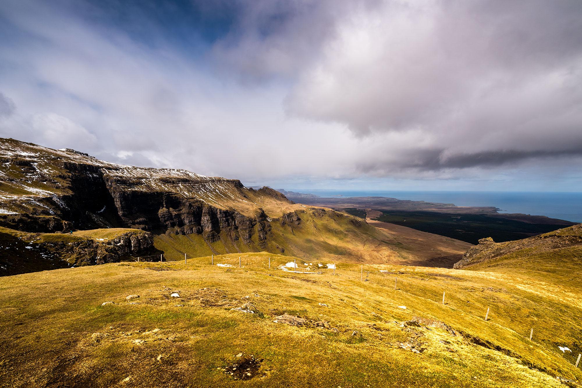 Paysage sans arbre de l'Île de Skye.